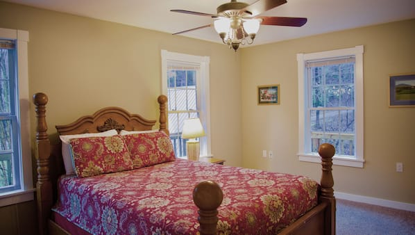 8 bedrooms, iron/ironing board, Internet, bed sheets