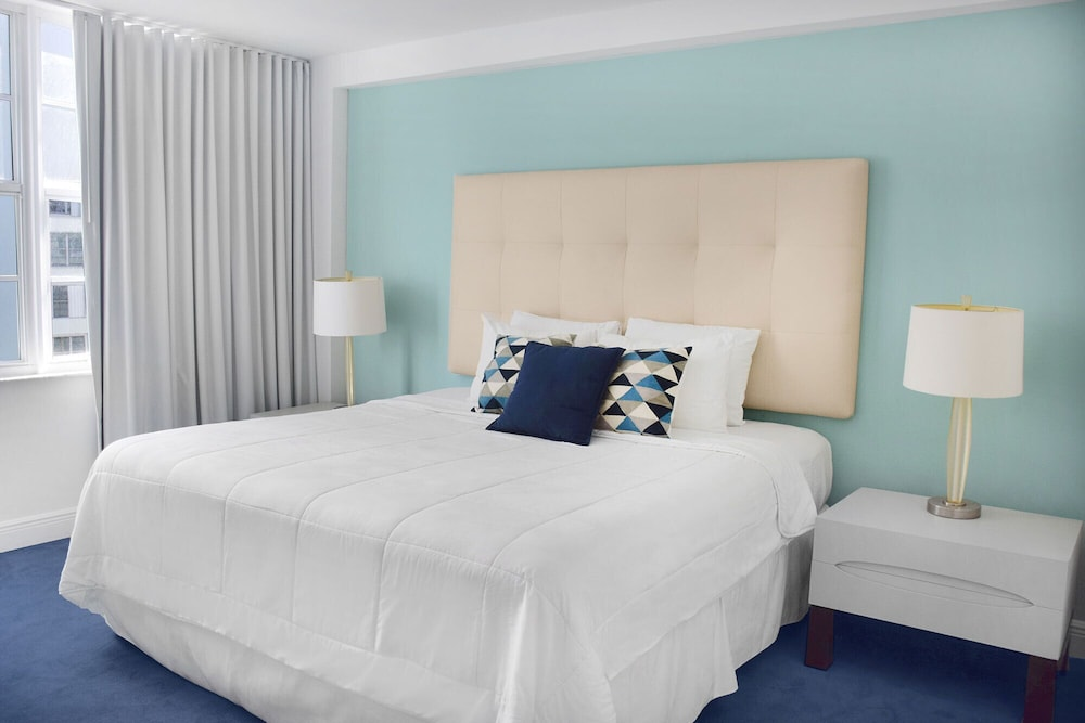 8 Guests Three Bedroom Suites In Miami Hotel Rates Reviews On Orbitz