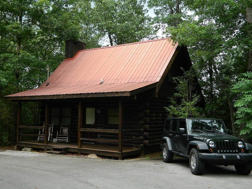 , Gatlinburg Log Cabin Rental For Two
