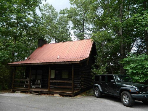 Gatlinburg Tennessee Honeymoon Log Cabin Rental