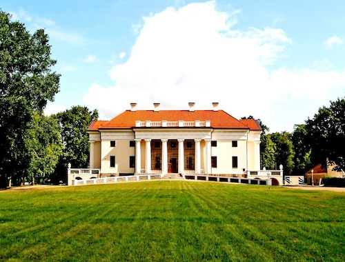 Pakruojis Manor's Palace Boutique Hotel