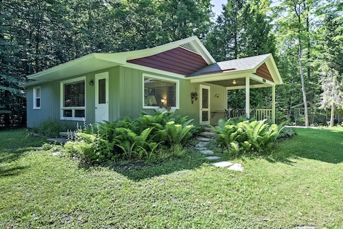 New! Cherry Cottage Near Peninsula State Park!