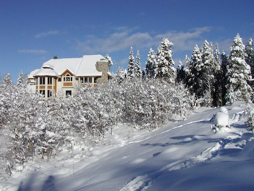Ski-in/ski-out 8000 Sq Ft Luxury Home Special Offers!