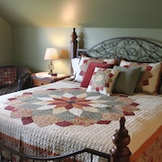 Martha's Guest Suite: Less Than 3 Miles From Sight and Sound Theater