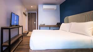 房內夾萬、窗簾、隔音、免費 Wi-Fi