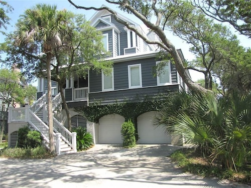 Great Place to stay Seaforever 6 Bedrooms 6 Bathrooms Home near Edisto Island