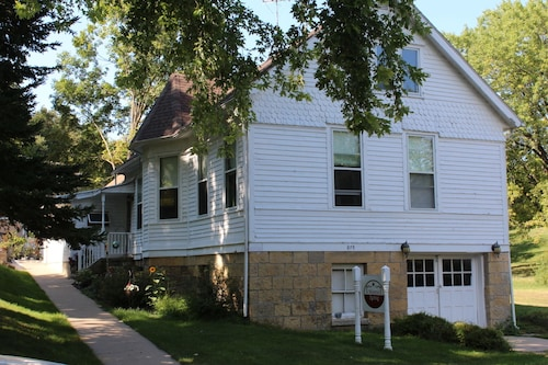 Great Place to stay Mineral Spring Guest House near Mineral Point