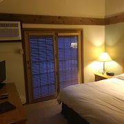 Crystal Mountain #330956 2 Bedrooms 2 Bathrooms Condo