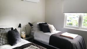 3 bedrooms, blackout curtains, iron/ironing board, free WiFi