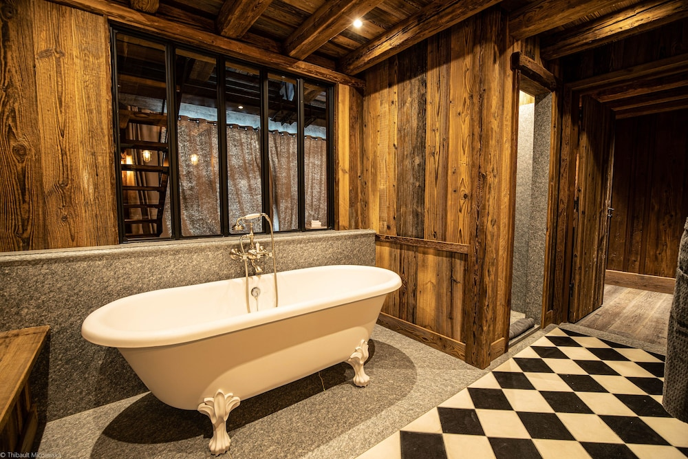 Bathroom, Le Refuge de Solaise