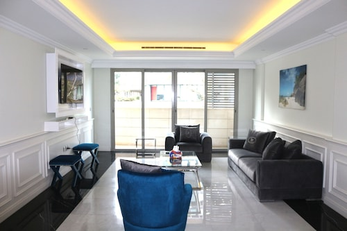 Versace Furnished Apartments - Downtown Beirut