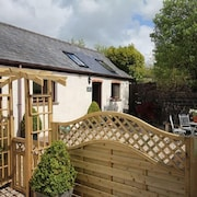 Self Catering Cottages at Handley Farm