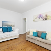 Bondi Beach Front Furnished Apartments