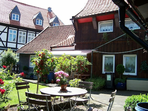 5 Bedrooms, Quiet Location, Goslar Town, 200m From the Market / Shop / Restaurants