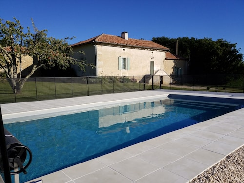 Beautiful Country House With Pool, Magnificent Views of the Countryside,