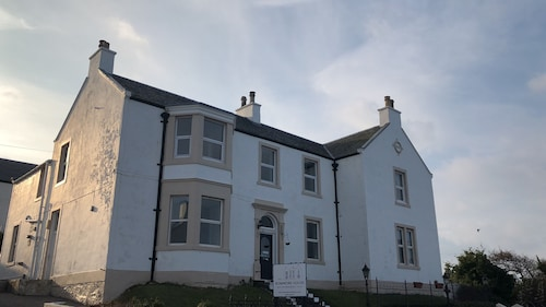 The Bowmore House Bed & Breakfast