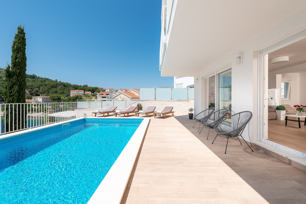 New Villa By The Beach With Private Swimming Pool And Sea View In Rogoznica Hotel Rates Reviews On Orbitz
