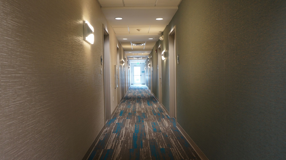 Hallway, Home2 Suites by Hilton Clermont