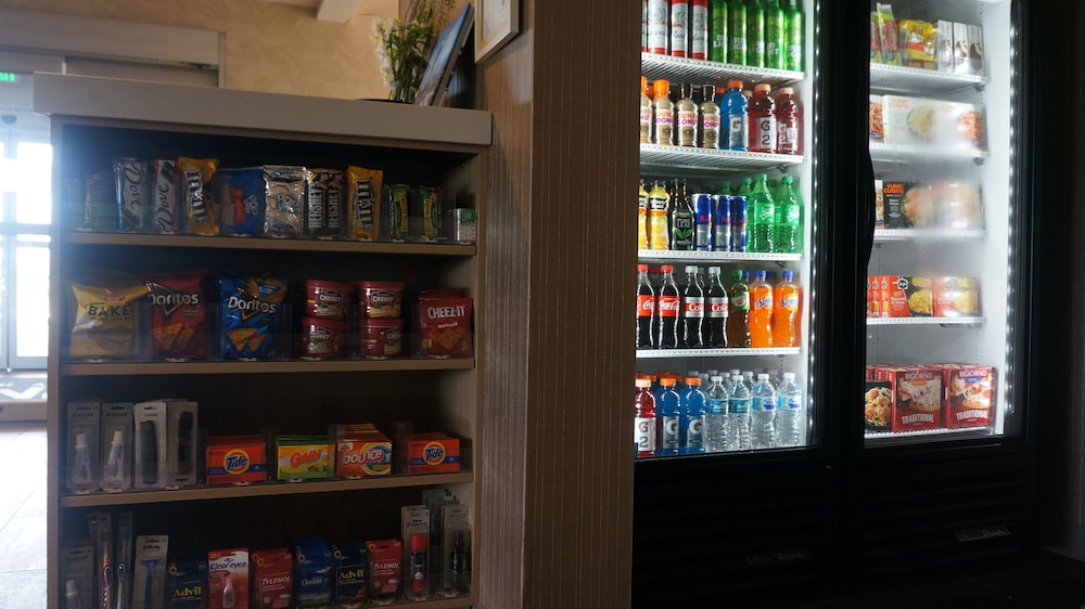 Snack Bar, Home2 Suites by Hilton Clermont