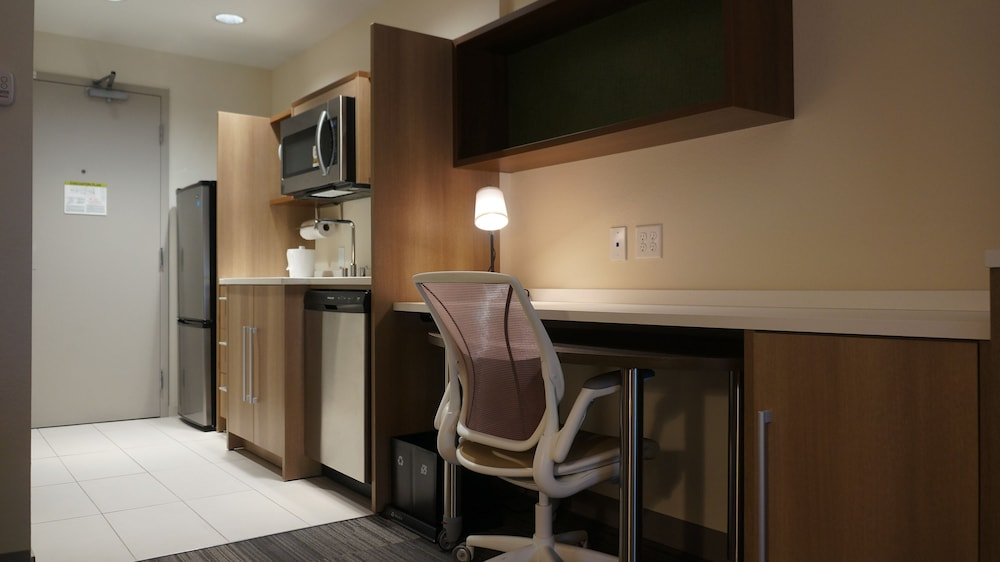 Living Area, Home2 Suites by Hilton Clermont