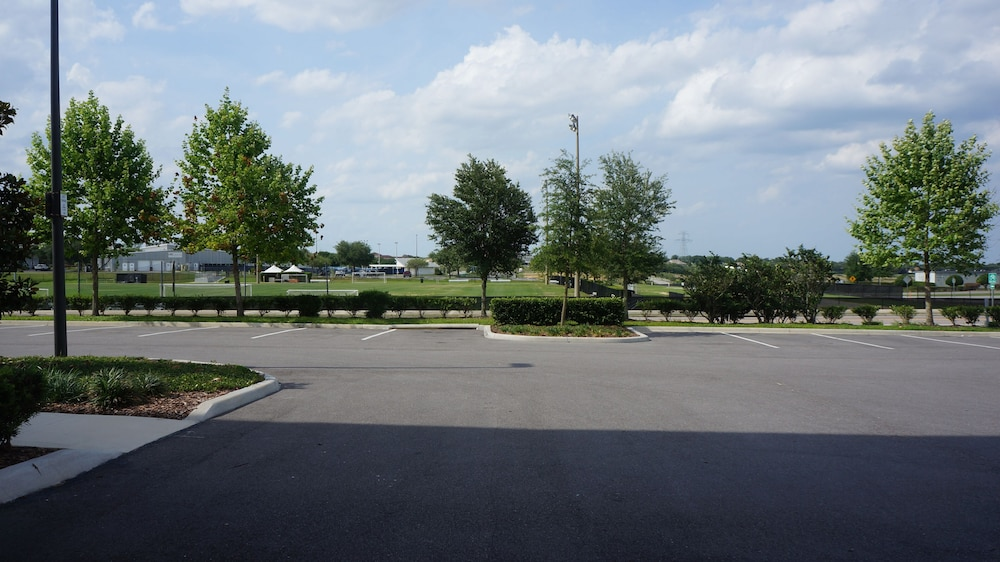 Street View, Home2 Suites by Hilton Clermont