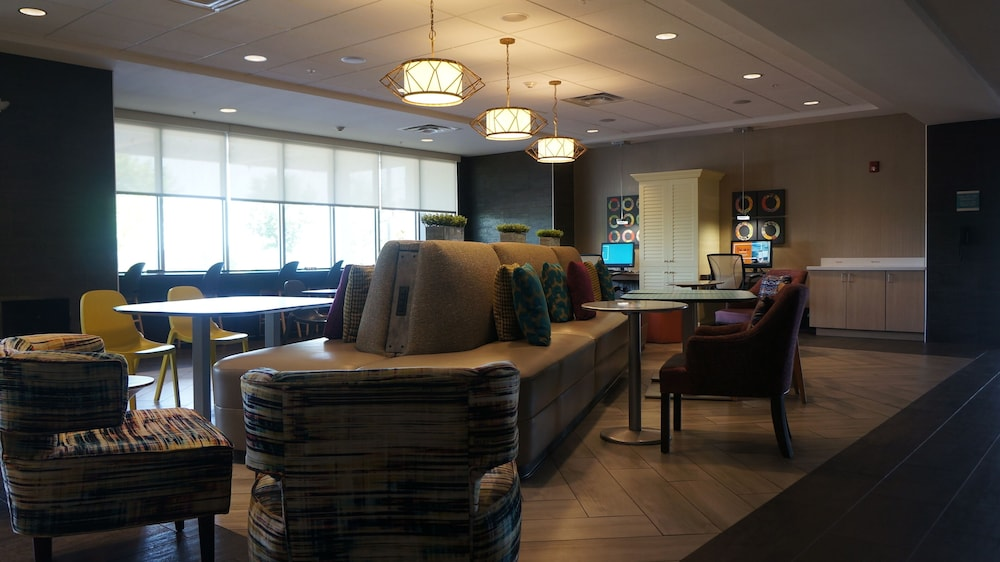 Dining, Home2 Suites by Hilton Clermont
