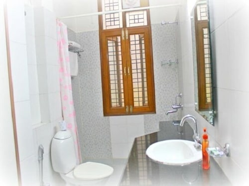 Bathroom, Olive Serviced Apartments Gurgaon