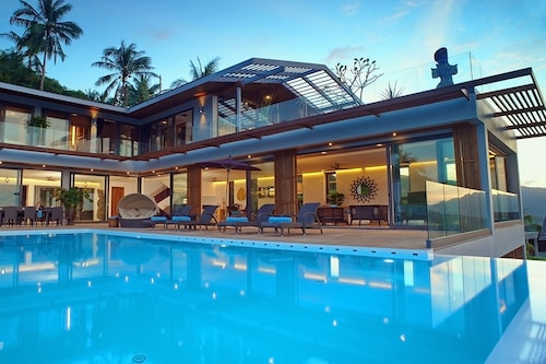Luxury Villa Crystal Blue