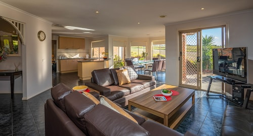 Attwood Lodge - Melbourne Airport