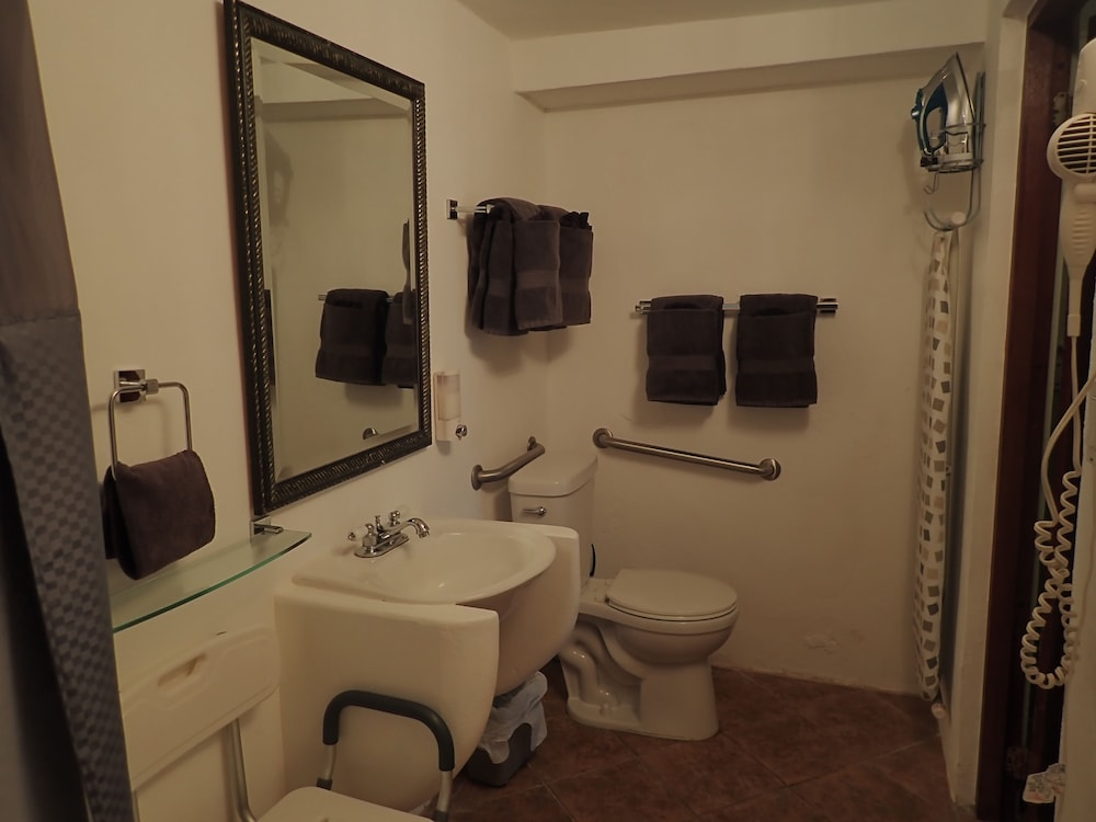 Bathroom, The Vieques Guesthouse