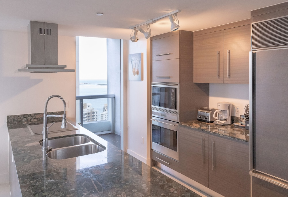 Private Kitchen, Brickell by Miami Vacation Rentals