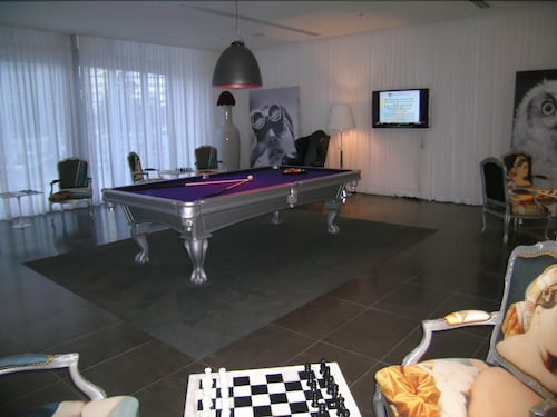 Game Room, Brickell by Miami Vacation Rentals