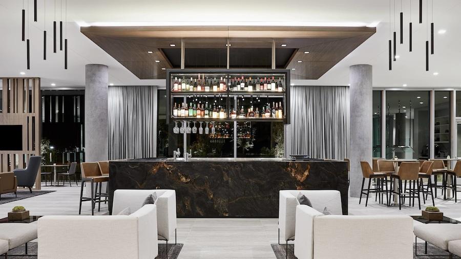 AC Hotel by Marriott Phoenix Biltmore