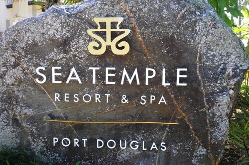 5 Star Sea Temple Port Douglas