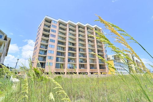 Direct Oceanfront in the Heart of North Myrtle! Wi-fi Balcony Pool!