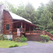 Loghome/ Private Beach/heated Inground Pool