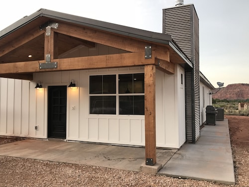 Brand NEW Kanab Farmhouse Guest Suite