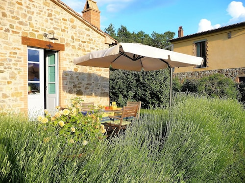 Charming Tuscan Holiday Cottage With Lovely Garden and Great Views