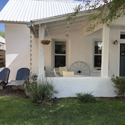 Adobe in Prime Location in Heart of Marfa, Steamshower, Fantastic Porch