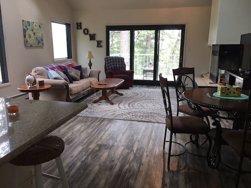Great Place to stay Spur Landing Condo, Near Golf Course and Lodge. Hi-speed Wifi, Cable TV near Cloudcroft