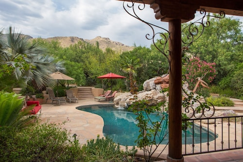 Serenity on Pristine Property: Oasis of Lush Desert With Stunning Mountain Views