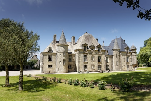 D'day Luxury Chateau FOR Rent With Heated Pool AND Tennis. Sleeps 15