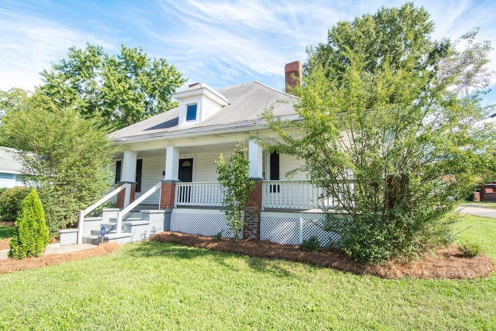 Southern Charm in the Heart of Kannapolis in Charlotte | Hotel Rates ...