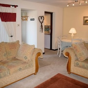 Gold Award Winning Cottage Tewkesbury Town/ Cotswolds/sleeps 4/ Luxury Touches!