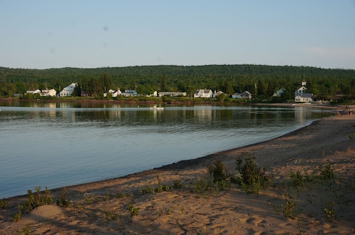 Large Vacation Home, Steps to Beach, Eagle Harbor, MI, Lake Superior