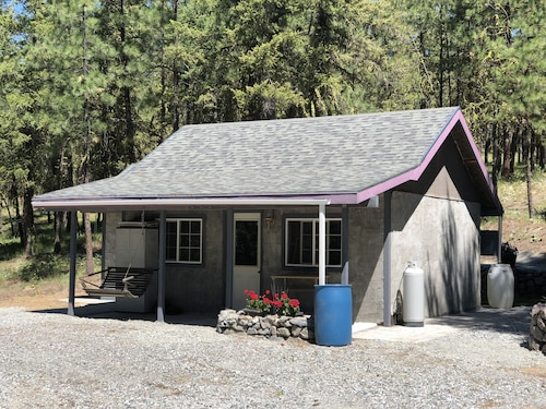 New Listing! Little Cabin in the Woods