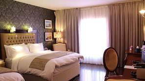 Egyptian cotton sheets, premium bedding, pillow-top beds, in-room safe