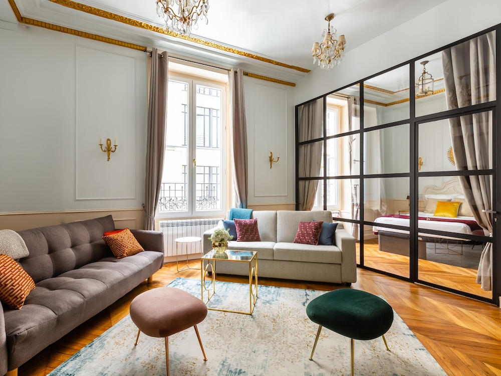 Luxury 3 Bedroom 2 Bathroom Ac Louvre Marais Paris