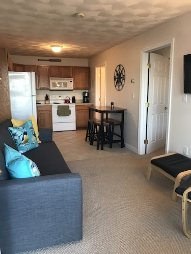 Cozy One Bedroom on Lake Winnisquam