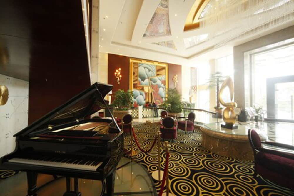 Lobby Lounge, Royal Prince Hotel
